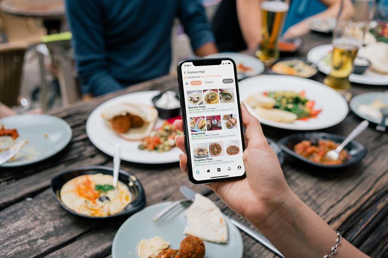 The Benefits of Using Chatbots on Your Restaurant Website